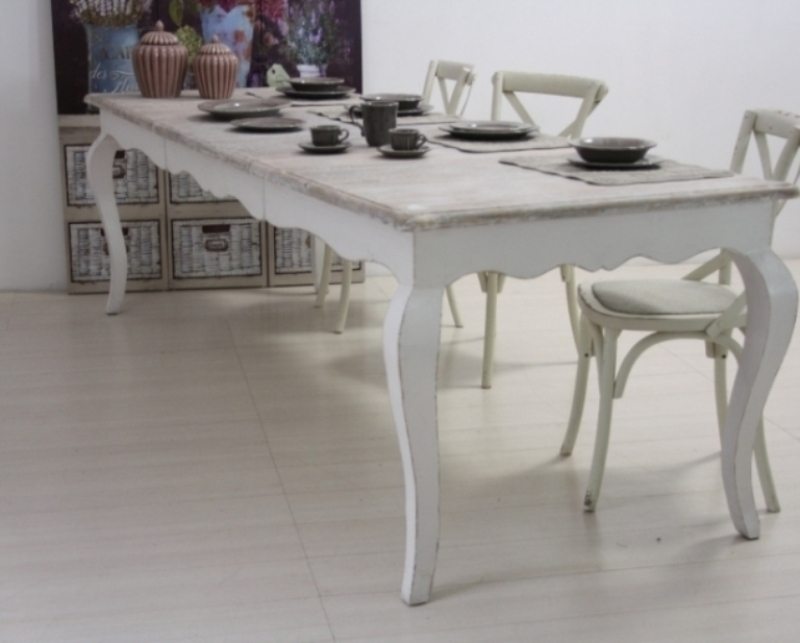Tavoli da pranzo bianchi idee per interni e mobili - Tavoli bianchi da cucina ...
